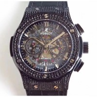 Réplique Hublot Classic Fusion Aerofusion Black Magic 525.CM.0170.RX Ceramic Diamonds Black Skeleton Dial