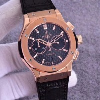 Réplique Hublot Classic Fusion Chronograph King Gold 521.OX.1181.LR Cadran en fibre de carbone en or rose