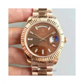 Réplique montre Day-Date 40 228235 Cadran Chocolat Or Rose De 40MM
