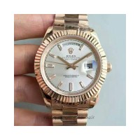 Réplique montre Day-Date 40 228235 Cadran Sundust en or rose de 40MM